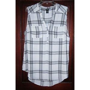Torrid Plus 1 1X Tunic Top Blouse Shirt Popover